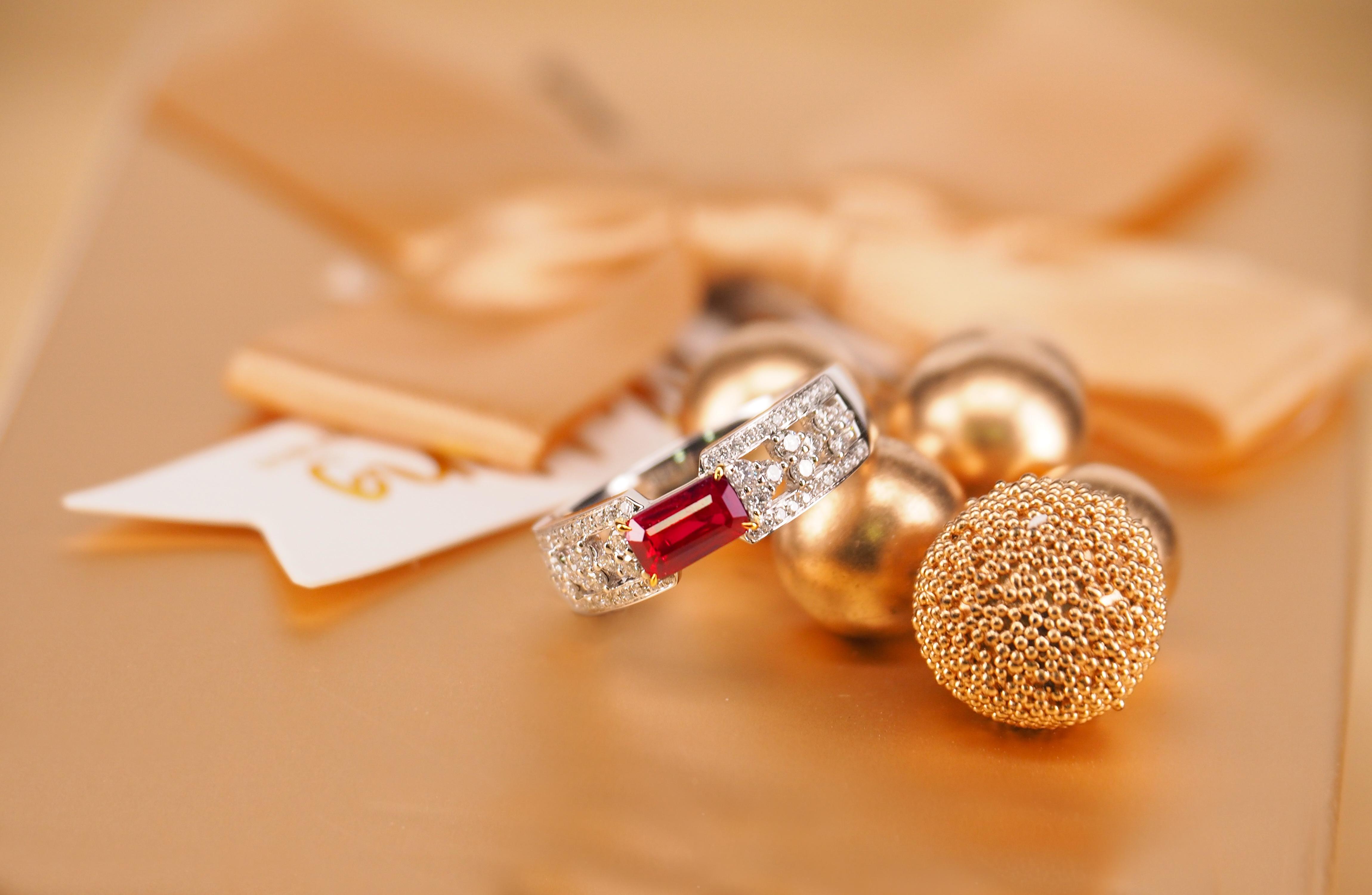 红碧玺与红宝石价值差距大吗?怎么区分红碧玺和红宝石?