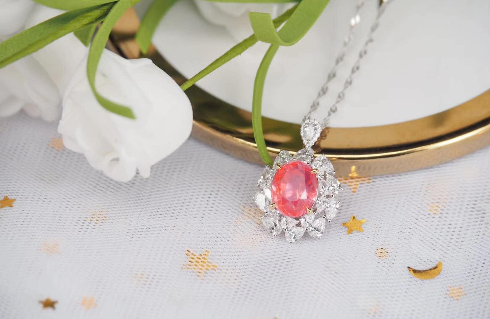 在选购珠宝的时候我们怎么知道哪种宝石适合自己呢?