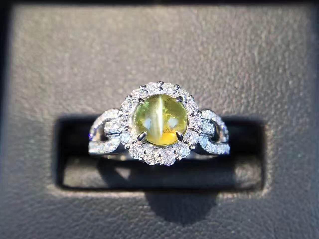 五大宝石中具有光学效应的宝石不止星光宝石哦,还有猫眼宝石